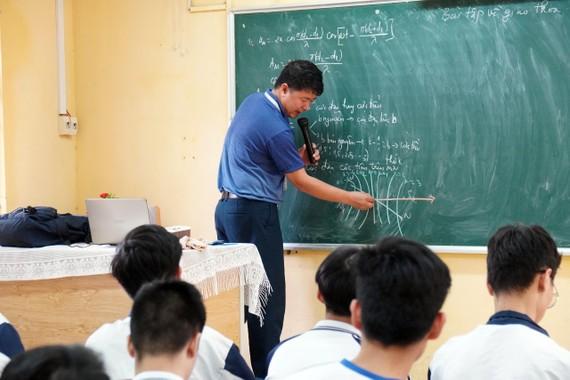 Học sinh lớp 12 sẽ thi tốt nghiệp THPT vào tháng 7
