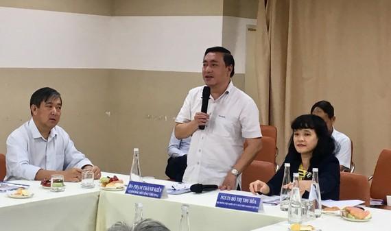 Ông Phạm Thành Kiên, Giám đốc Sở Công thương TPHCM tại hội thảo ngày 15-11. Ảnh: THI HỒNG
