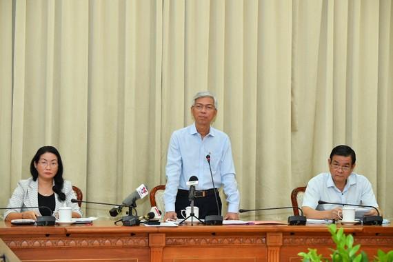 Phó Chủ tịch UBND TPHCM Võ Văn Hoan phát biểu tại Hội nghị về xử lý vi phạm tiếng ồn. Ảnh: VIỆT DŨNG