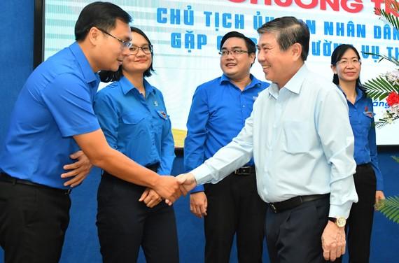 Chủ tịch UBND TPHCM Nguyễn Thành Phong gặp gỡ Ban Thường vụ Thành Đoàn. Ảnh: VIỆT DŨNG
