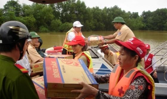 Urgent reliefs sent to locals in storm-hit provinces