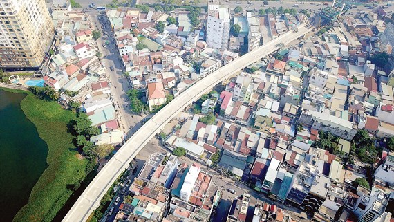 HCMC adopts BusMap for controlling traffic