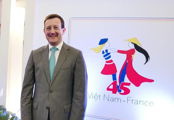 French Ambassador to Vietnam Bertrand Lortholary (Source: dantri)