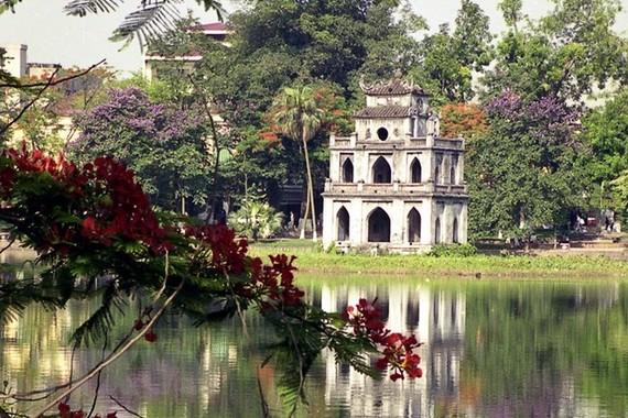 Hoan Kiem Lake in Hanoi (Photo: VNA)