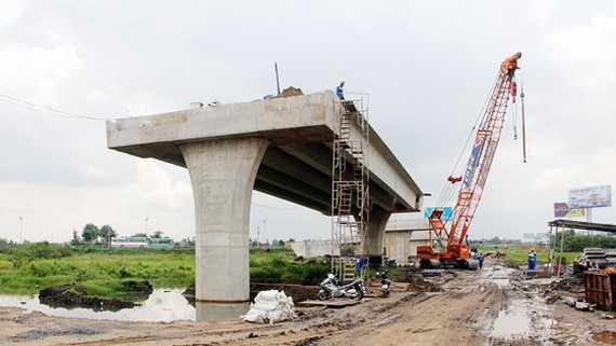Mekong residents await highway for easier traveling