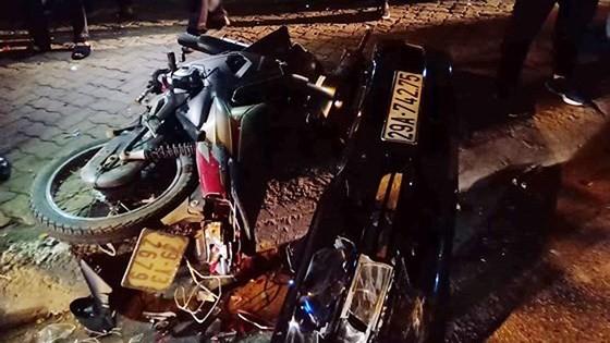 Six injured when drunk female driver rams motorbikes