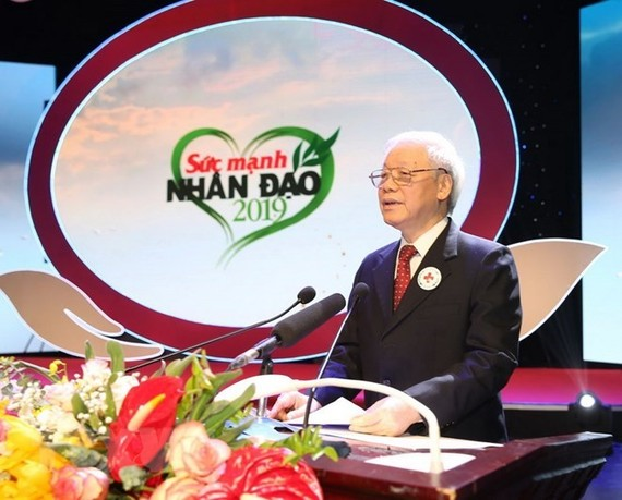"""Party General Secretary and President Nguyen Phu Trong addresses the """"Strength of humanity 2019"""" prorgamme in Hanoi on January 13 (Photo: VNA)"""
