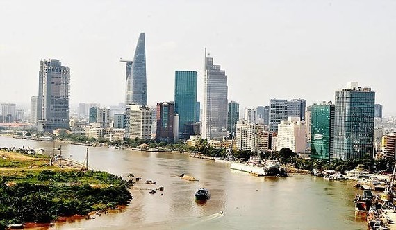 HCMC decentralises power to departments, local administrations