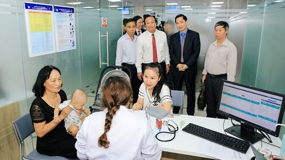 New vaccination center opens in Da Nang