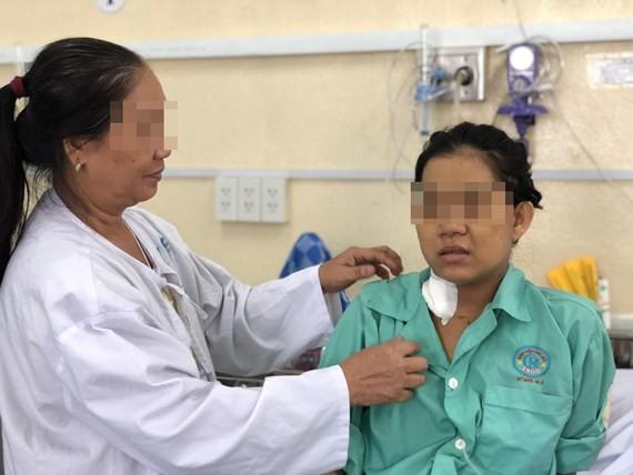 Doctors save amniotic fluid embolism pregnant during Cesarean section