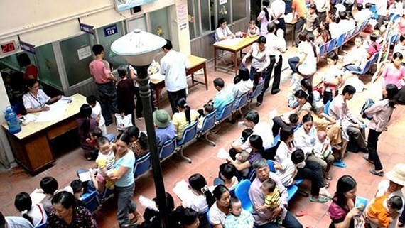 Two people killed, many hospitalized in North, Central Vietnam's scorching heat