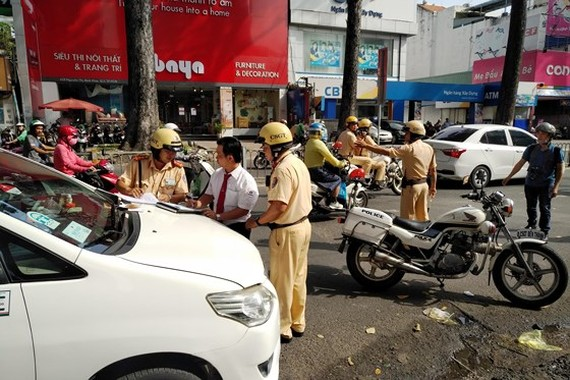 Traffic police in HCMC to escalate crackdown violations
