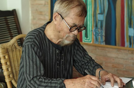 Poet Phan Vu. (Photo by Du Nguyen)