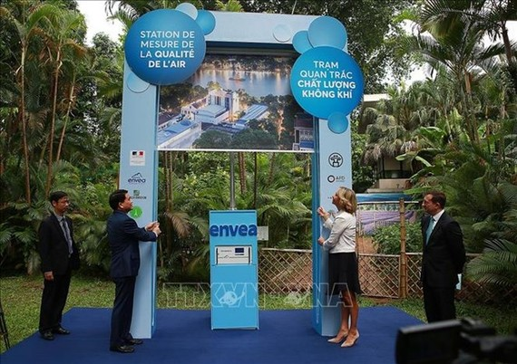 Hanoi's 11th air monitoring station installed at French Embassy