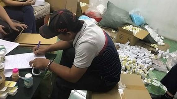 Police seize fake medicine (Photo: SGGP)