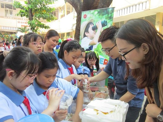 Schools in HCMC say no to single-use plastic products