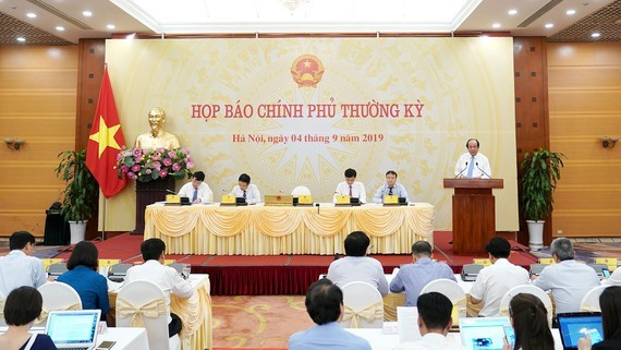 At the government's periodic press briefing (Photo: SGGP)