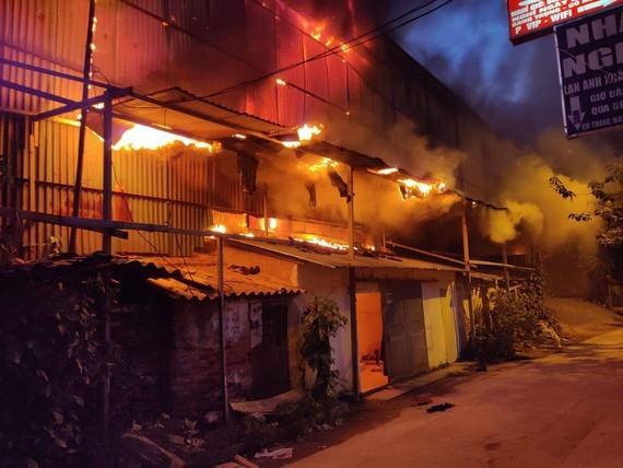 Rang Dong fire (Photo: SGGP)