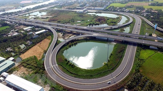 A section running through Tan An city ( Long An province) of Ho Chi Minh City-Trung Luong Expressway, part of the North-South Expressway (Photo: VNA)