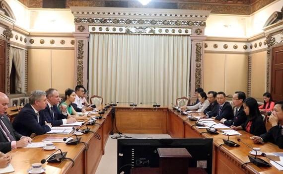 At the meeting ( Photo: VNA)