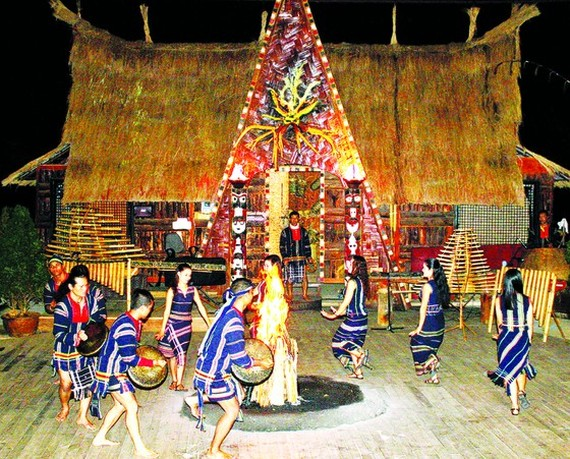 Traditional wedding ceremony of K'Ho ethnic people restored to attract tourists