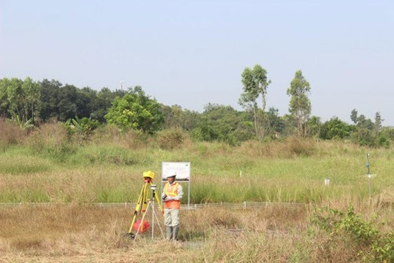 Experts monitor the area where to carry out the project (Photo: SGGP)