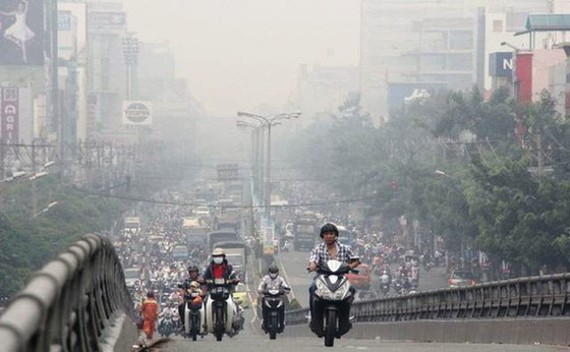 Children in Hanoi to have days off if AQI hits 300