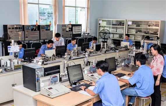 Insoluble problem in encouraging students to pursue vocational training