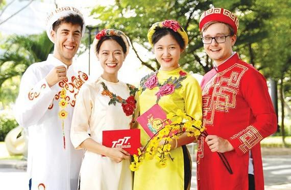 Universities accept foreign student enrolment (photo: SGGP)