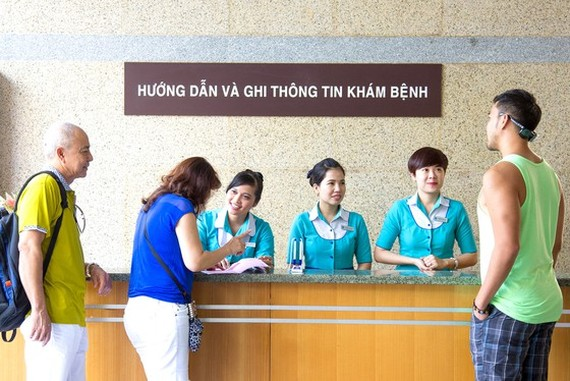 More and more overseas Vietnamese and foreigners have lately come to Vietnam for medical tourism (Photo: SGGP)