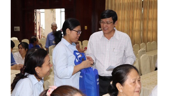Charitable activities organized to help poor, ill laborers in HCMC