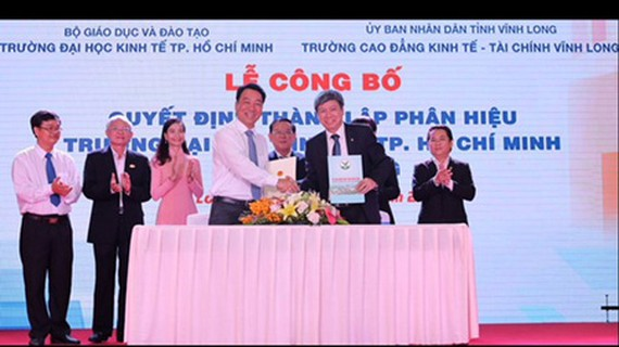 Vinh Long College of Economics – Finance became a branch of HCMC University of Economics in Vinh Long Province. (Photo: SGGP)