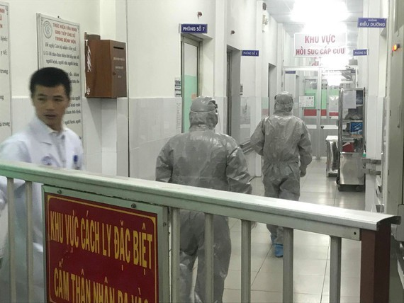 Vice Health Minister rushes to Cho Ray Hospital as two  nCoV cases reported