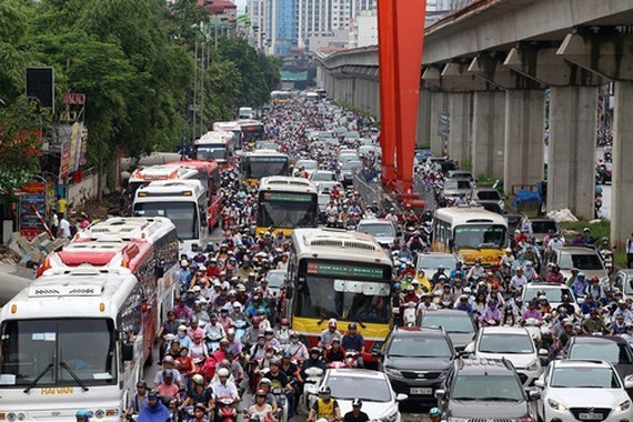 Congestion is seen in Hanoi Ring Belt 3 (Photo: SGGP)