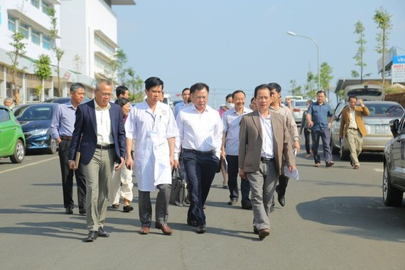 Medical officials in Dak Lak are checking prevention task in the province (Photo: SGGP)