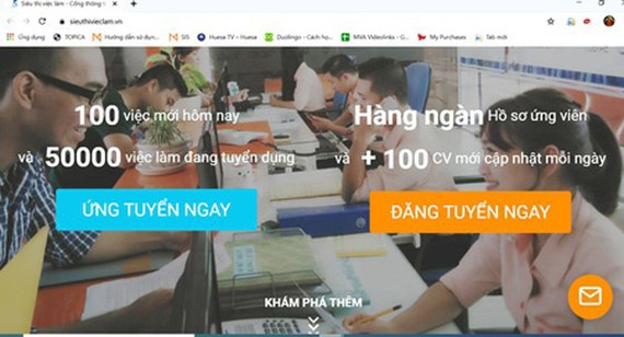 The online job market https://sieuthivieclam.vn/ offer a chance for laborers to meet recruiters. (Photo: SGGP)