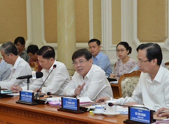 Chairman NGuyen Thanh Phong at the conference (Photo: SGGP)