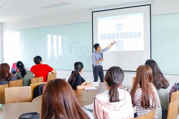 Students of the high-quality programs in the University of Economics and Law (Vietnam National University – HCMC) (Photo: SGGP)