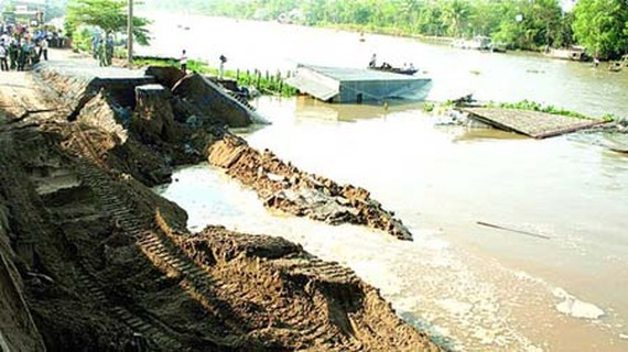 Landslides are happening more frequently in the Mekong Delta. (Photo: SGGP)