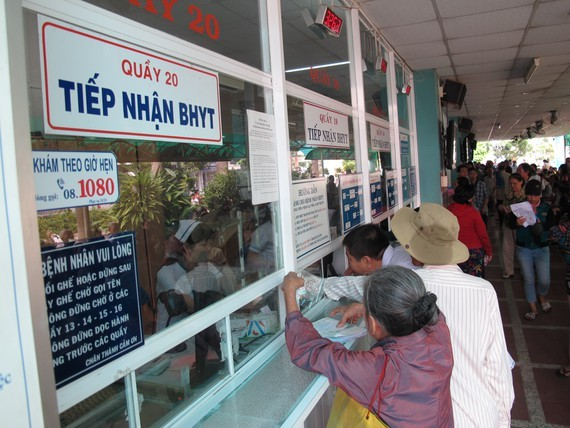 HCMC provides at-home examination for elderly citizens amid Covid-19 pandemic (Photo: SGGP)