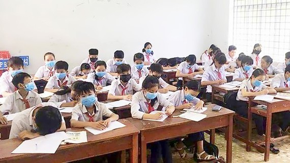 Ministry proposes compulsory face masks at schools