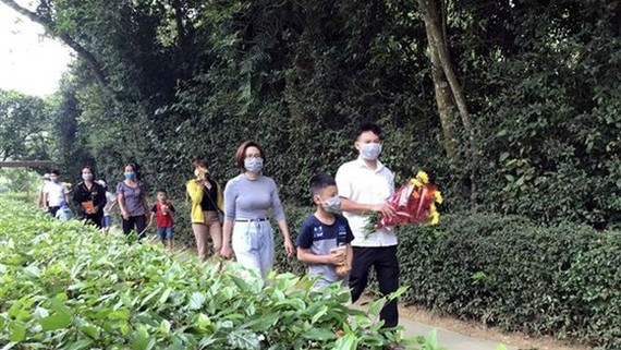 Thousands of visitors flock to late President Ho Chi Minh's birthplace