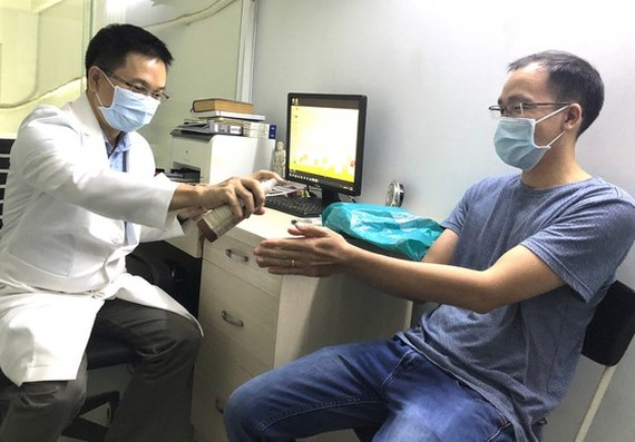 Private-run medical clinics allowed to re-open