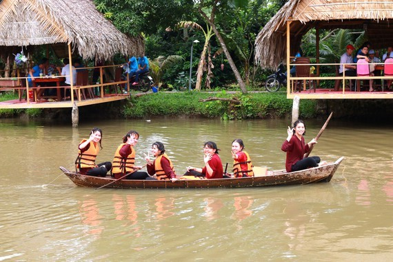A tour in the Mekong Delta (Photo: SGGP)