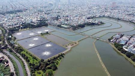 A treatment lake of Binh Hung Hoa sewage treatment plant. (Photo: SGGP)