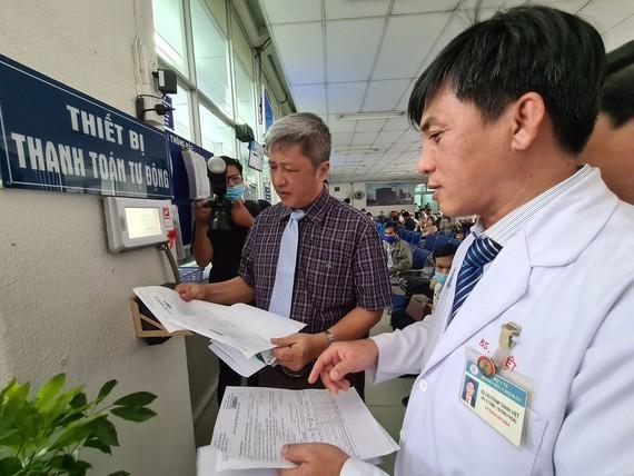 Cho Ray Hospital launches cashless e-health cards