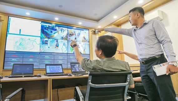 The new smart city operation center is being piloted at HCMC People's Committee. (Photo: SGGP)