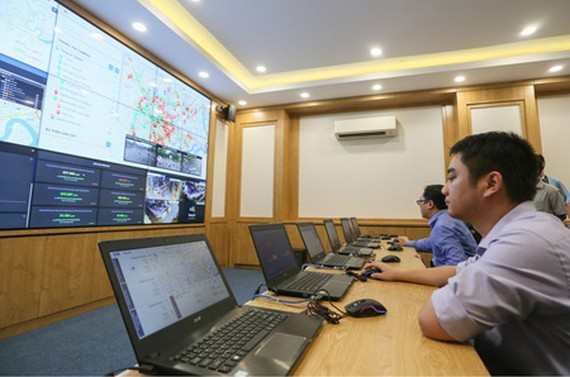 The Operation Center for Smart City is piloted in HCMC People's Committee. (Photo: SGGP)