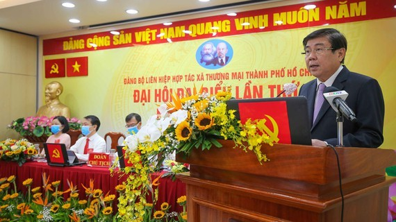 Chairman Phong speaks at the meeting (Photo: SGGP)