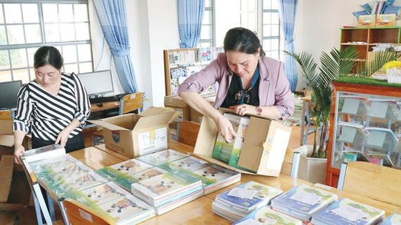 Hike in textbook prices causes concern amongst parents (Photo: SGGP)